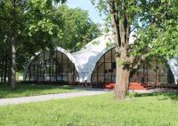 Банкетный шатер на Крестовском острове (в черте города)